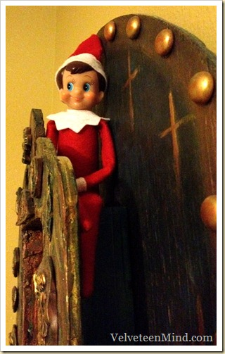 ElfOnTheShelf-Triad