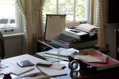 EudoraWelty-desk